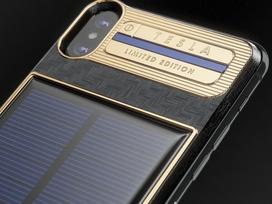 Ngắm iPhone X 'hàng thửa' cho ông trùm Elon Musk
