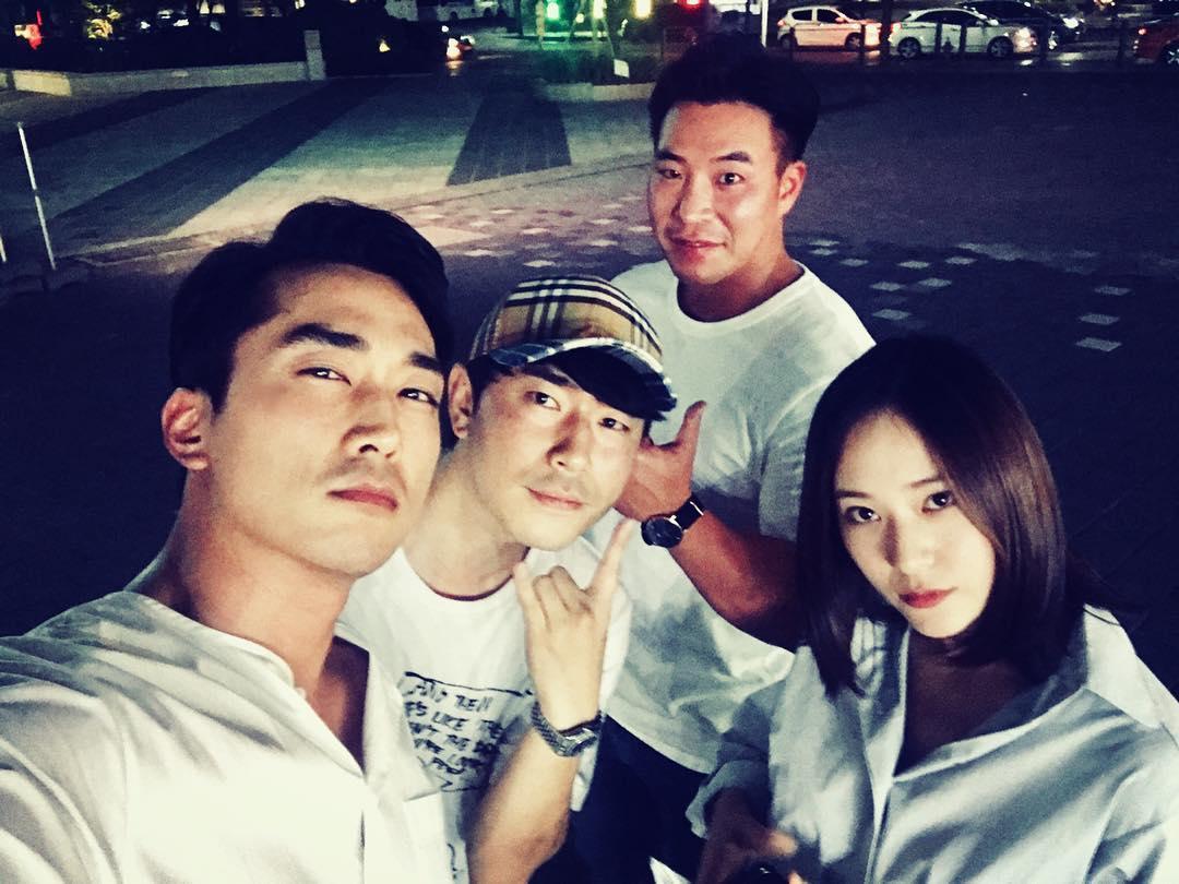 Song-Seung-Heon-Lee-Si-Eon-Krystal1.jpg