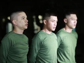 Hoàng Tôn - Bảo Kun - Tuấn Kiệt bị phạt nghiêm khắc vì không hoàn thành bài thể dục buổi sáng trong quân đội