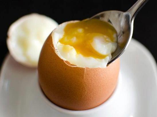 Rước bệnh từ những cách ăn trứng cực tai hại chị em nên tránh