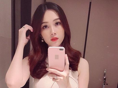 Sau 2 tháng lâm bồn, Hoa hậu Đặng Thu Thảo gây shock với vẻ đẹp mặn mà đúng chuẩn hot-mom