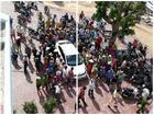 Sự thật vụ 500 người 'vây ráp' hai người nghi bắt cóc trẻ em