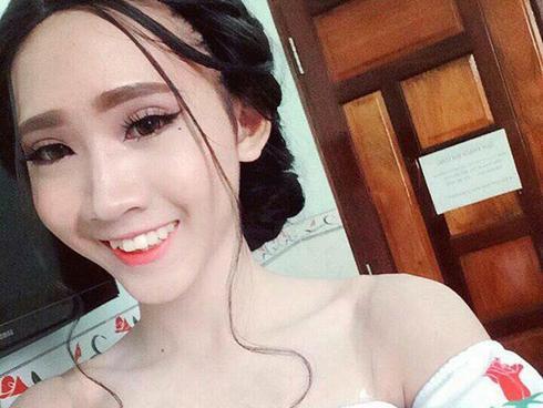 'Cô gái' trong thân xác nam nhi phẫu thuật toàn bộ gương mặt để nữ tính hơn