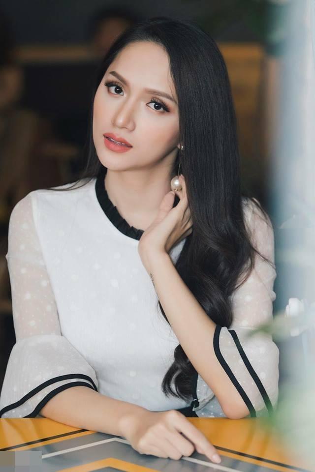 Mẹ Hương Giang thấy có lỗi khi sinh con không đúng giới tính