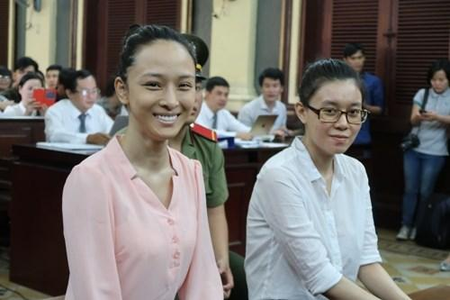 Trương Hồ Phương Nga rạng rỡ  sau 1 năm tại ngoại