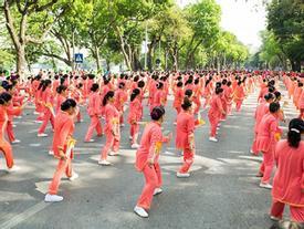 Hơn 2.150 người cao tuổi đồng diễn thể dục dưỡng sinh