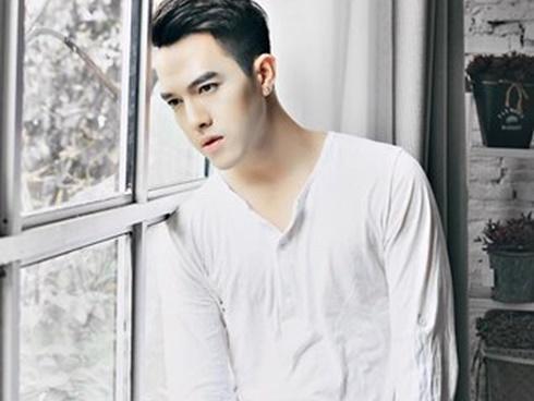 Hot girl - hot boy Việt: Bơ vơ một mình giữa Sài Gòn, Minh Châu kêu gọi 500 anh em hỗ trợ quần áo và giày