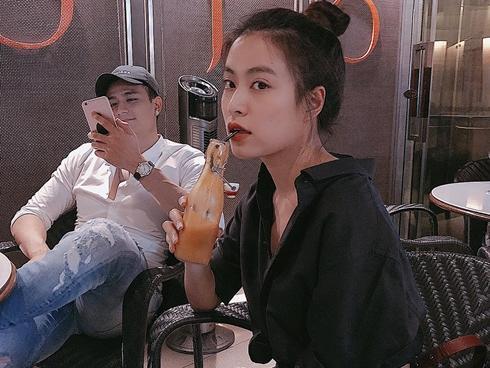 Không xác nhận yêu, Hoàng Thùy Linh vẫn công khai hào hứng khoe được Vĩnh Thụy 'đưa đi giải ngố'