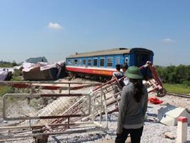 Vụ tàu khách đâm xe tải chở đá tại Thanh Hóa: Tạm giữ hình sự 2 nhân viên gác barie