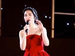 Hòa Minzy quên lời cả bài hát khi đang trên sóng truyền hình trực tiếp