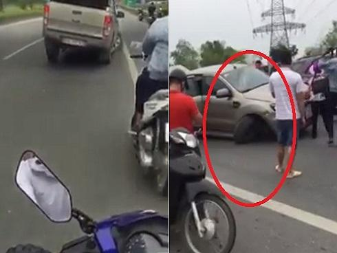 Mất 1 bánh xe sau khi gây tai nạn liên hoàn, 'xe bán tải 3 bánh' bỏ chạy