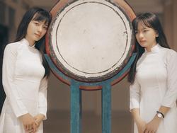 Cặp song sinh ở Vũng Tàu: Xinh đẹp nhưng tính cách trái ngược nhau