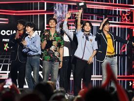 Tổng thống Hàn Quốc gửi thư chúc mừng BTS vì lập kỷ lục Billboard 200