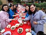 Hoa mắt với bữa tiệc sinh nhật gồm 100 cặp sinh đôi
