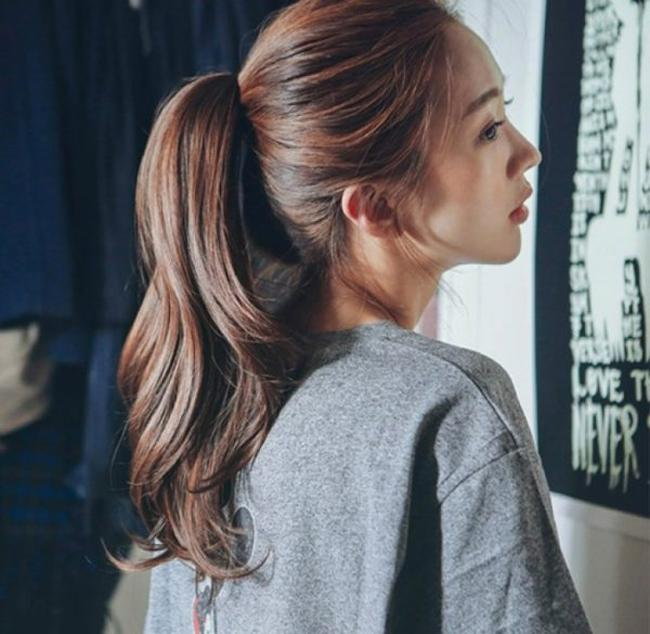 4 kiểu tóc ăn Tết chuẩn không cần chỉnh dành cho các cô nàng mặt dài-1