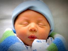 7 điều đại kỵ tuyệt đối không làm với trẻ sơ sinh