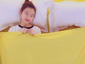 Midu 'đốn tim' fans với khoảnh khắc vừa ngủ vừa cười siêu dễ thương