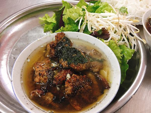 goi-y-6-mon-an-duoi-50-nghin-dong-cuc-ngon-khu-pho-co-ha-noi-1.jpg