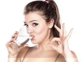 Điều gì xảy ra nếu bạn không uống nước?