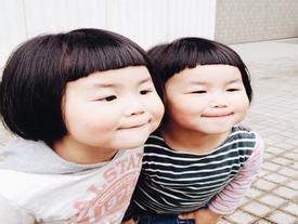 Những cặp song sinh hài hước nhất quả đất