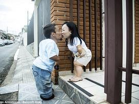 Chuyện tình cặp đôi lùn nhất thế giới: khi khiếm khuyết cơ thể không ngăn cản được tình yêu
