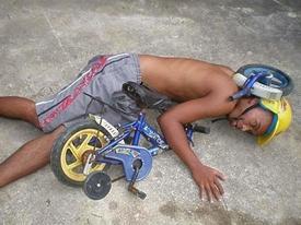 Những tai nạn éo le không thể không phì cười