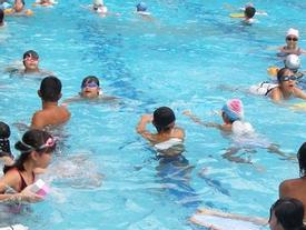 Tắm bể bơi, khám phụ khoa... cũng có thể dính cúm A/H1N1