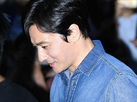 Sao Hàn 15/6: Jang Dong Gun gây shock với ngoại hình cực kỳ phong độ dù đã U50