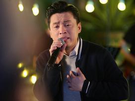 Lam Trường hát lại hit cách đây 17 năm đầy cảm xúc nhưng sợ fan 'ngó lơ' vì đang mùa World Cup