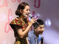 Chi Pu hát lệch tông, lộ nhiều khuyết điểm trong buổi fanmeeting