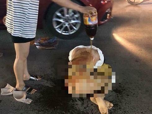 Khởi tố vụ nữ chủ tiệm spa bị lột đồ giữa phố