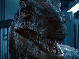 Chưa cần Bắc Mỹ, 'Thế giới khủng long 2' đã thu hơn 400 triệu USD