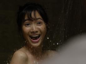 'Thánh nữ Bolero' Jang Mi sốc vì bị S.T (365) nhìn trộm khi đang tắm