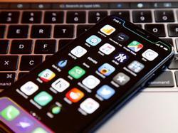 Quên iPhone X đi, iPhone mới năm nay giá rẻ hơn nhiều