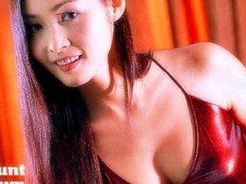 Nữ thần sexy hết thời đóng phim cấp 3, bỗng gặp thời thành tỷ phú