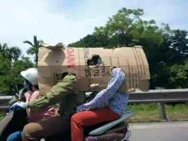 Clip: Muôn kiểu tránh nắng nóng 'khó đỡ' chỉ có ở Việt Nam