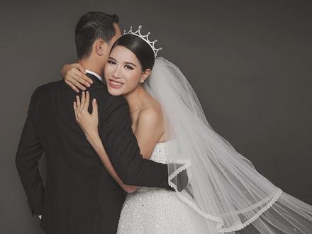 Trang Trần khoe ảnh cưới lãng mạn bên ông xã Việt kiều
