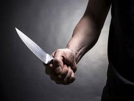 Kinh hoàng người đàn ông bị chém chết trước dãy phòng trọ ở TP HCM
