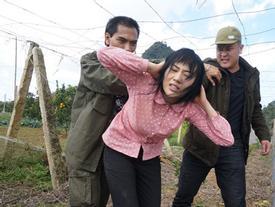 'Quỳnh búp bê' gây tranh cãi: Bảo kê mại dâm mang quân hiệu cảnh sát?