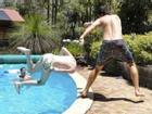 Những tai nạn siêu hài hước với nước