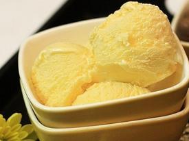 Bổ sung chất dinh dưỡng với cách làm kem trứng gà mật ong