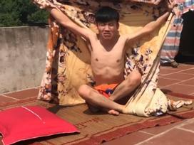 Thử thách điên rồ ngày nắng nóng: giữa trưa lên sân thượng đắp chăn nằm ngủ và cái kết