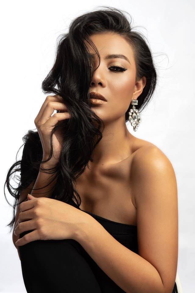 Sinh năm 1988, Thanh Hươngtừng đoạt á hậu 2 cuộc thi Hoa hậu Hải Dương 2006 và quyết định lựa chọn nghiệp diễn làm con đường phát triển lâu dài.Cô khởi nghiệp diễn viên từ một vai diễn quần chúng trong bộ phim