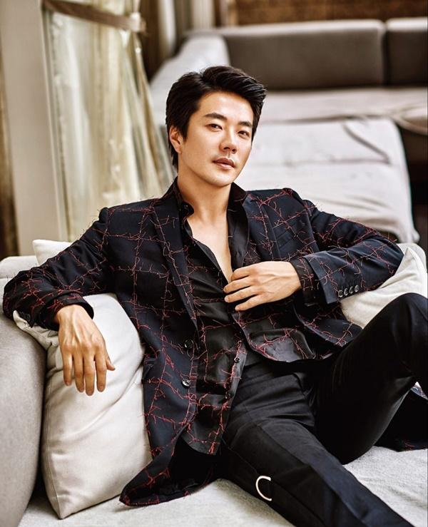kwon-sang-woo-1.jpg