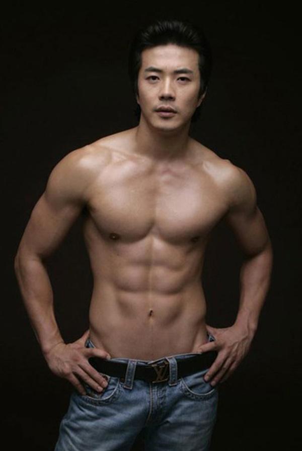 kwon-sang-woo-5.jpg