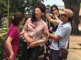 Cận cảnh những phân đoạn 'dựng tóc gáy' khiến bộ phim đình đám 'Quỳnh Búp Bê' bị đình chỉ phát sóng