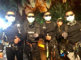 Lộ diện 4 đặc nhiệm SEAL Thái Lan ở bên các cậu bé đến cuối cùng