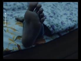 Chớ có dại mà cho chân ra ngoài lúc ngủ sau khi bạn xem hết clip này