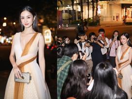 Khoe nhan sắc lộng lẫy như công chúa, Jun Vũ được fan vây kín không rời nửa bước