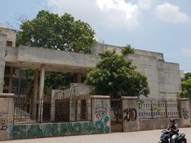 Bí ẩn 'nhà ma' 20 năm không người ở giữa Hà Nội